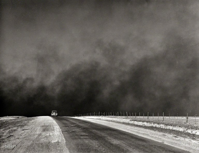 Dust_storm_Texas_Panhandle_1936